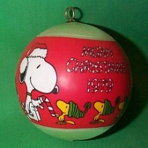 1979 Peanuts Time To Trim Hallmark Ornament