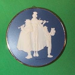 1981 Norman Rockwell #2 - Carolers Hallmark Ornament