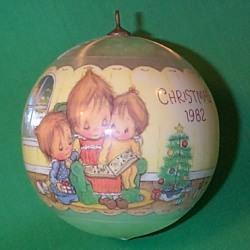 1982 Betsey Clark #10 Hallmark Ornament
