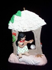 1987 Windows Of The World #3 - Hawaiian - SDB Hallmark Ornament