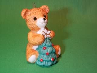1990 Cinnamon Bear #8f - With Tree Hallmark Ornament
