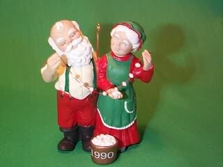 1990 Mr. And Mrs. Claus #5 - Popcorn Party Hallmark Ornament