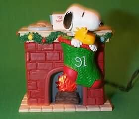 1991 Peanuts Lighted #1 Hallmark Ornament