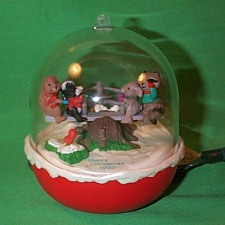 1992 Forest Frolics #4 Hallmark Ornament