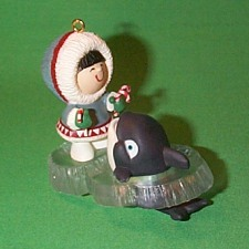 1992 Frosty Friends #13 - Whale Hallmark Ornament