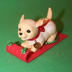 1993 Puppy Love #3 - Golden Retriever Hallmark Ornament