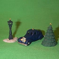 1995 Nostalgic Houses - Accessories Hallmark Ornament