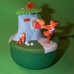 1995 Winnie The Pooh - Lighted - SDB Hallmark Ornament