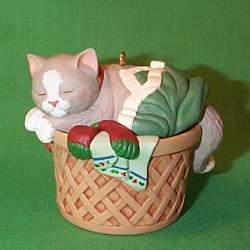 1998 Cat Naps #5f Hallmark Ornament