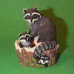 1999 Majestic Wilderness #3 - Raccoons Hallmark Ornament