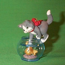 1999 Mischievous Kittens #1 - Colorway Hallmark Ornament
