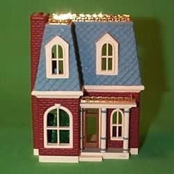 1999 Nostalgic Houses #16 - Holly Lane Hallmark Ornament