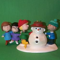 1999 Peanuts - Snowy Day Hallmark Ornament