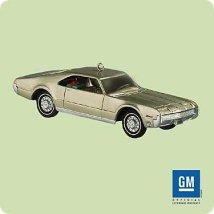 2004 Classic Cars #14 - Toronado Hallmark Ornament