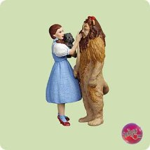 2004 Wizard Of Oz - Dorothy And Lion - MNT Hallmark Ornament