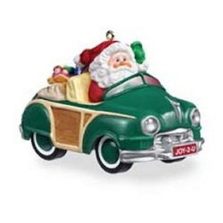 2005 Here Comes Santa - Green Woody - MNT Hallmark Ornament