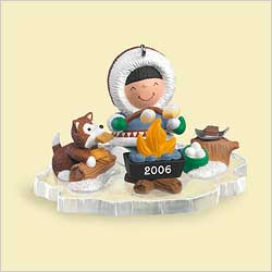 2006 Frosty Friends #27 - Campfire - NB Hallmark Ornament