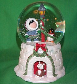 2006 Frosty Friends Snow Globe Hallmark Ornament