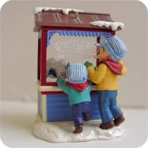 2007 Christmas Windows #5 - Club Hallmark Ornament