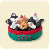 2007 Mischievous Kittens #9 Hallmark Ornament