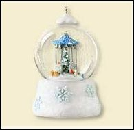 2007 Winter Wonderland #6f - Gathering Friends Hallmark Ornament