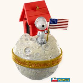 2008 Peanuts - Snoopy Nasa Hallmark Ornament
