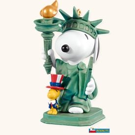 2008 Spotlight On Snoopy #11 - Patriotic Pals Hallmark Ornament