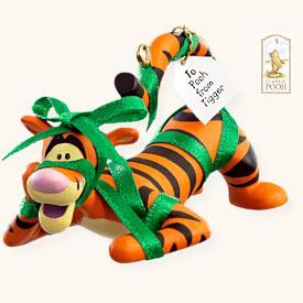 Tigger Christmas Ornaments.2008 Winnie The Pooh A Present For Pooh Tigger Hallmark