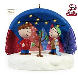 2009 Peanuts - Just The Right Tree Hallmark Ornament