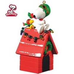 2010 Peanuts - A Pair Of Aces Hallmark Ornament