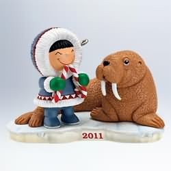 2011 Frosty Friends  #32 - Walrus Hallmark Ornament