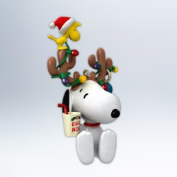 2012 Peanuts - In The Spirit Hallmark Ornament