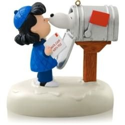 2014 Peanuts - Snoopys Christmas Greeting Hallmark Ornament