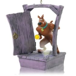 2014 Scooby Gets Spooked Hallmark Ornament